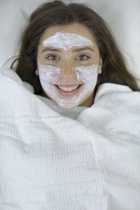 Kosmetische Behandlungen in der Hautpraxis Dr. Elvira Göller
